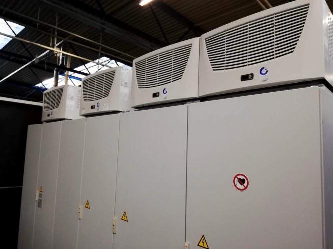 vyčištěné rozvaděčové skříně a klimatizační jednotky